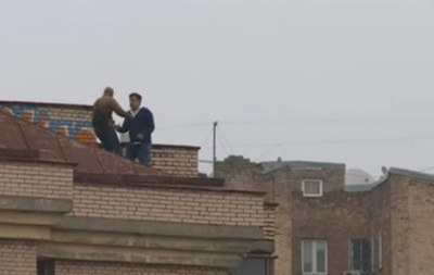 Саакашвили сказал  германской  прессе, зачем залез накрышу вовремя обысков